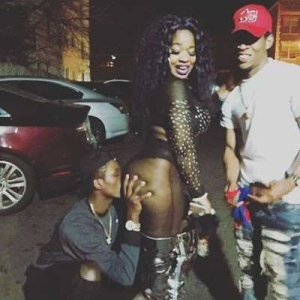 Afrocandy shares photos of a boy kissing her ass (Photos)